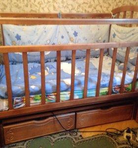 Детская кроватка+матрас+ аксессуары