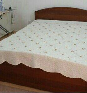 Двухспальная кровать+комод