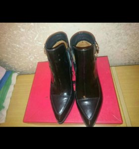 Лаковые натуральные ботинки