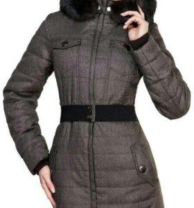 Зимнее пальто Jsplash.