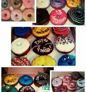 Donuts с начинкой покрытые шоколадной глазурью