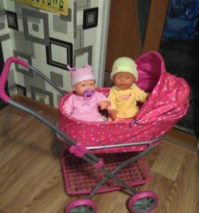 коляска с двумя куклами