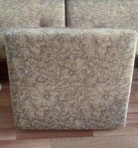 Подушки на диван-кровать из поддона