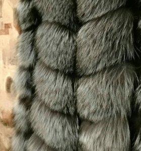 Жилет из меха чернобурки