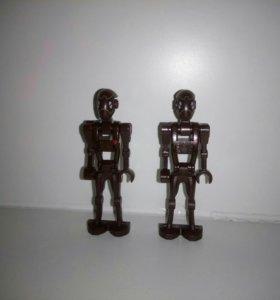2-е фигурки дроидов