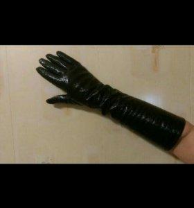 Нов.перчатки, длинные чёрные лаковые