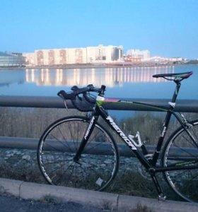 продам отличный шоссейный велосипед