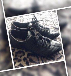 Кроссовки Adidas 36 р-р