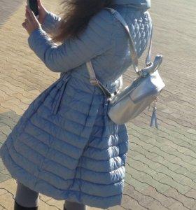 Пальто на девочку новое