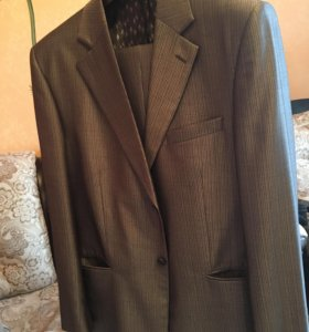 Мужской  костюм серый