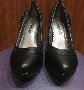 Женские новые туфли