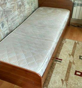 Продаю кровать с матрасом