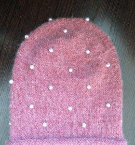 Вязаная шапка ручной работы