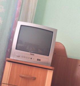 Продам телевизор показывает