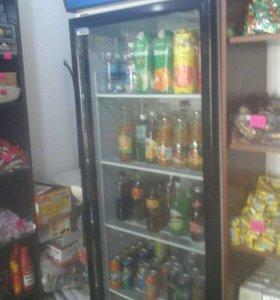 Холодильник витреный