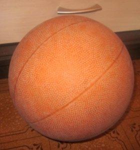 баскетбольный мяч накачянный