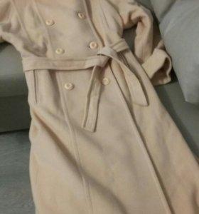 Шикарное пальто женское 48-50 размер демисезонное