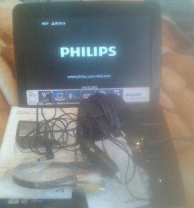 Портативный DVD плеер Philips