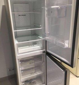 Холодильник Хайер.