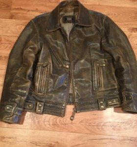 Кожаная куртка (Пилот)
