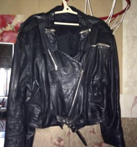 Кожаная куртка жён р.50-52