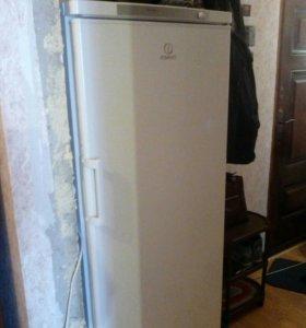 Холодильник морозилка indesit