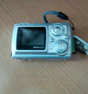 Фотоаппарат простенький