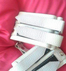 Кожаные наручники новые