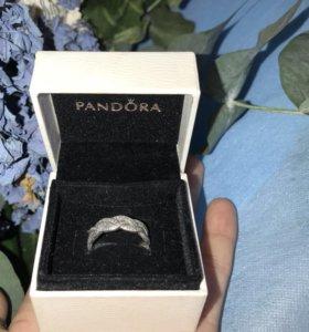 "Кольцо ""Pandora"""