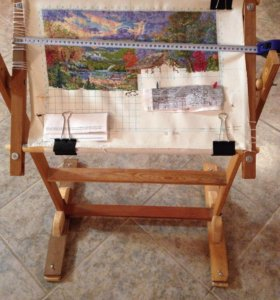 Напольная рамка для вышивания