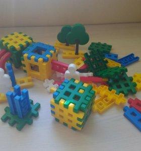 Детские развивающие конструкторы и игрушки