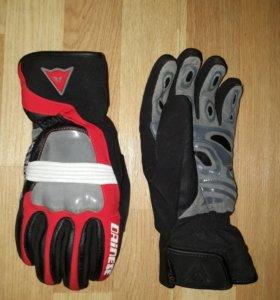 Перчатки горнолыжные Dainese