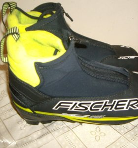 Лыжные ботинки Fischer детские на р 36,б/у