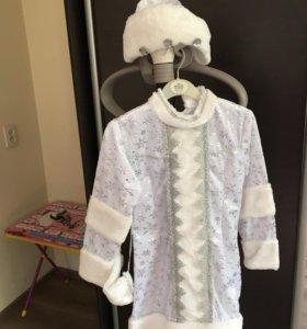 Новогодний костюм снегурочки на 5-6 лет длинна 61