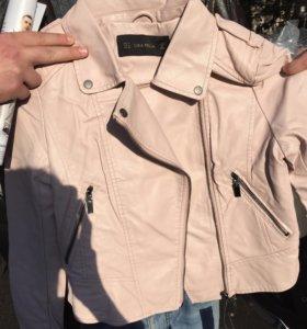 Кожаная куртка( кожзам)