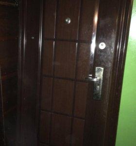 Продам дверь металическая б/у