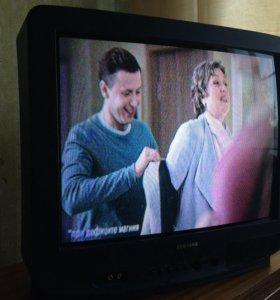 Телевизор Samsung диагональ 53 см