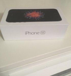 Коробка от оригинального iPhone SE