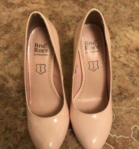Туфли женские новые р-р 36-37