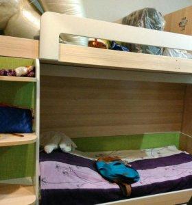 Двухъярусная кровать(кровать чердак)