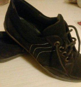 Ботинки новые,раз 38
