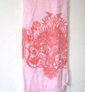 Розовый палантин, шарф
