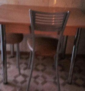 Обеденный стол, 70×100. 4 стула