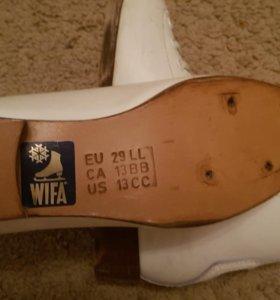 Ботинки для фигурного катания
