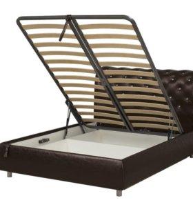 Интерьерная кровать с отделкой стразами