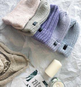 Вязаные шапочки ручной работы