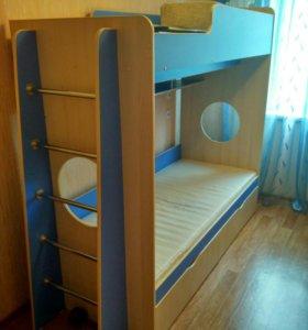 Двуярусная кровать