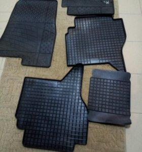 комплект нов. резиновых ковриков митсубиси паджеро