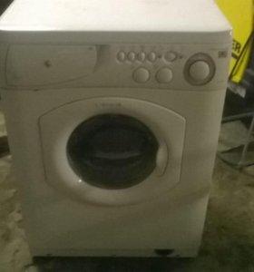 Две стиральные машины на запчасти