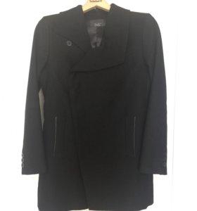 Демисезонное пальто ZARA (S-M)